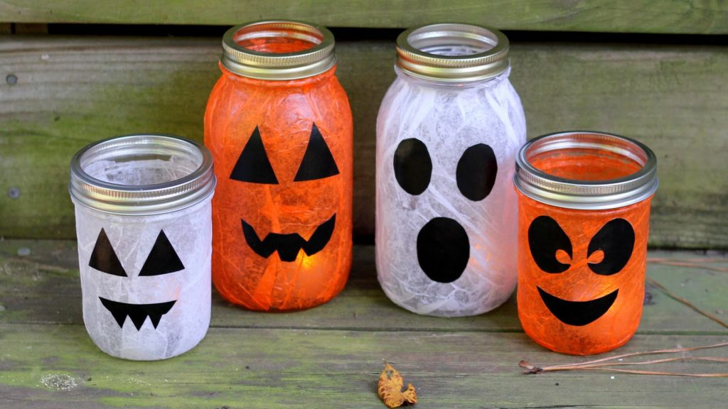 Let your entrepreneurship and creative skills merge to experience the fun of Halloween as you make some extra cash.